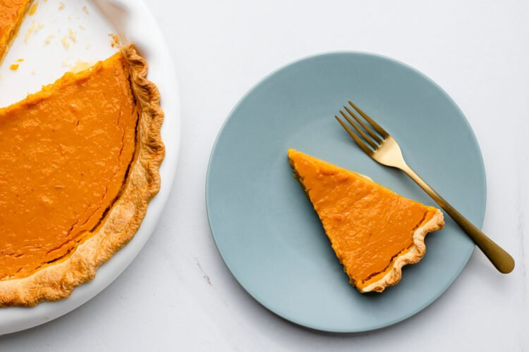 Our dairy-free pumpkin pie with coconut milk is vegetarian-friendly!