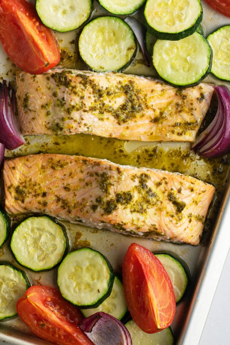 Our citrus salmon is made with highly-nutritious and fresh ingredients!