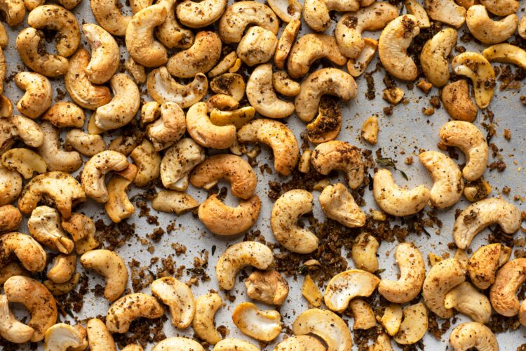 Our jerked cashews will satisfy your hunger and craving for something with a kick!