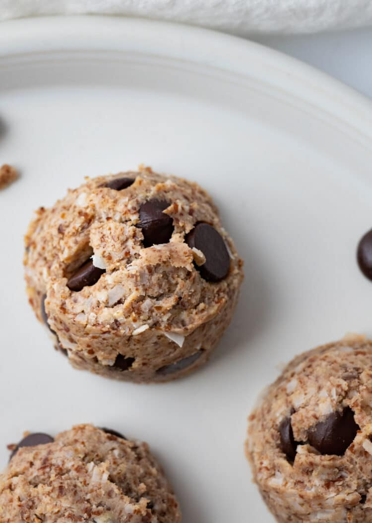 Our protein fat bombs make a great, energy-boosting midday snack or sweet treat!