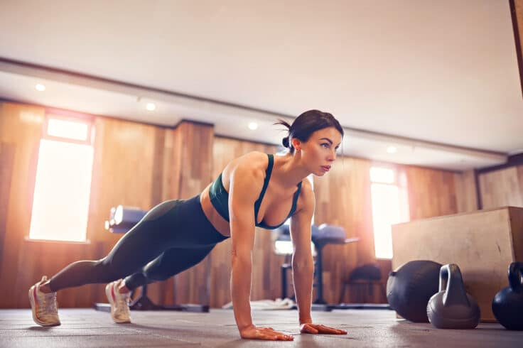 Our 20-Minute Bodyweight workout to melt the fat away is super effective!