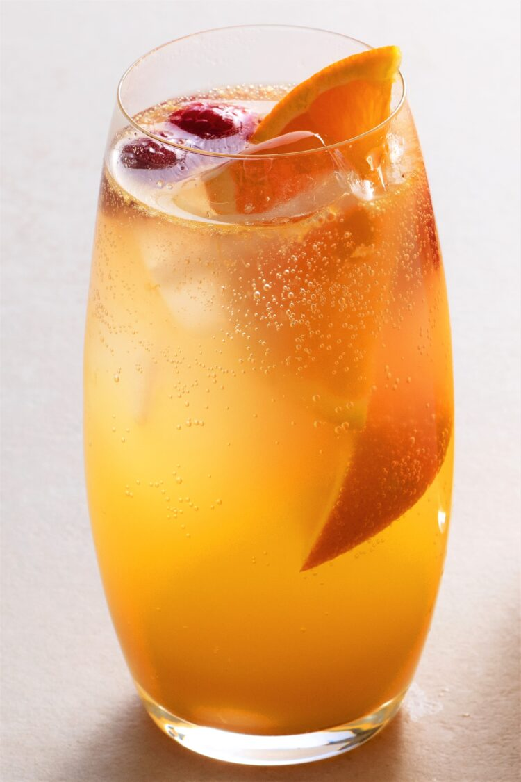 """This yummy """"mocktail"""" is perfect for warm and sunny afternoons!"""