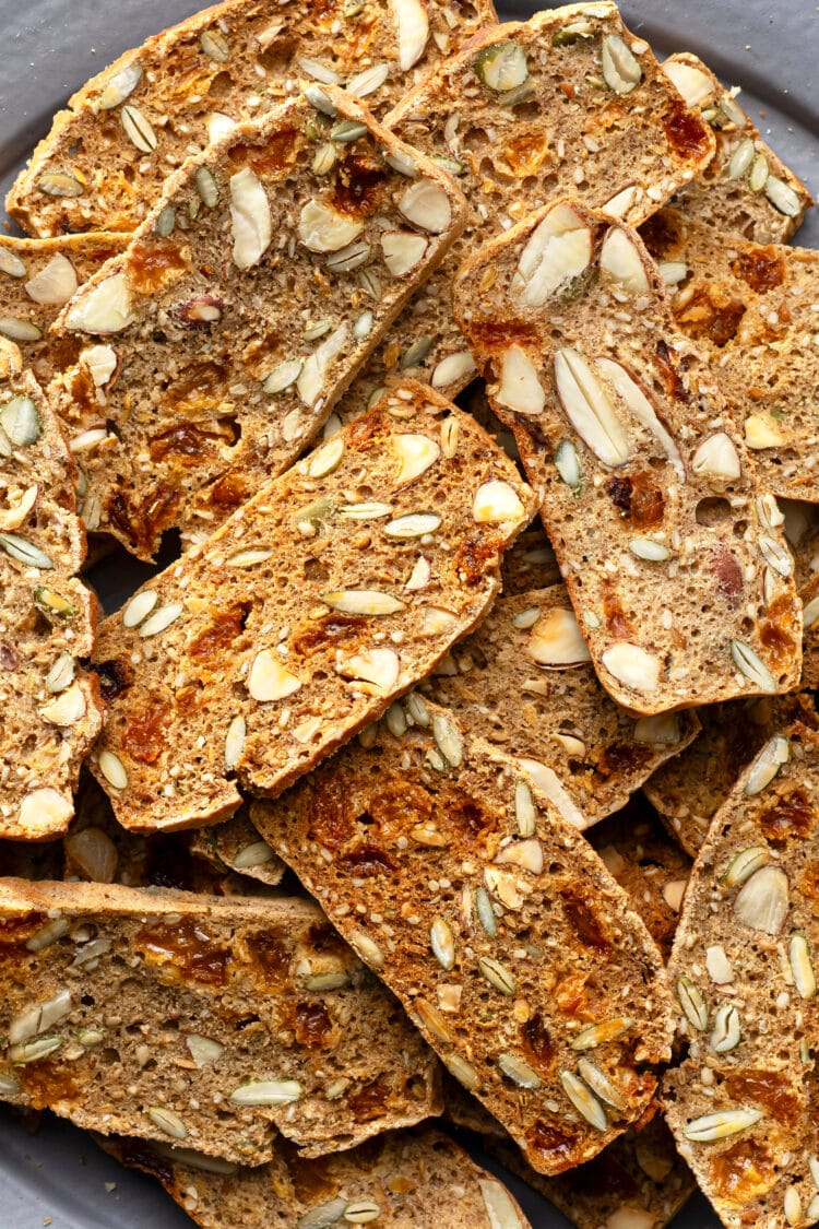 Made with natural ingredients, our seeded crackers are-gluten free and good for you!