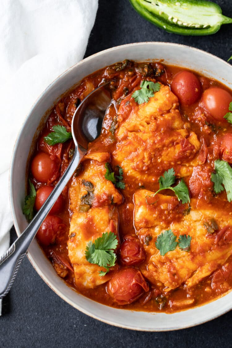 Our Mediterranean fish in tomato sauce offers the perfect balance of satisfying spice!